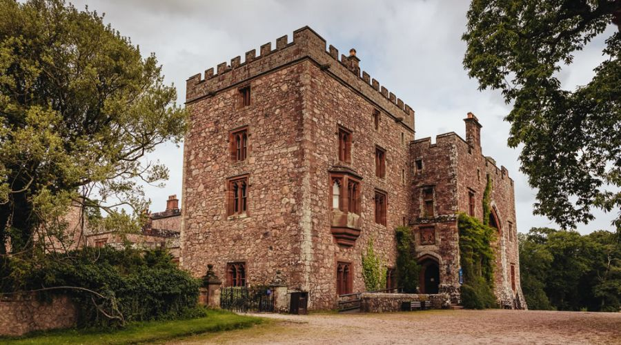 Meet in style at Muncaster Castle
